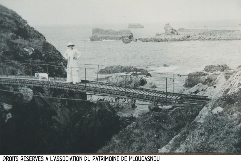 Primel, la passerelle du gouffre avant 1910 Bandeau